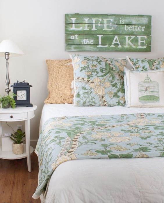 lakeside theme bedroom