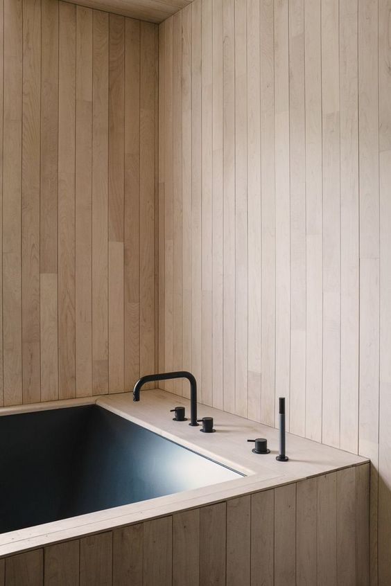 wood panelled bathroom