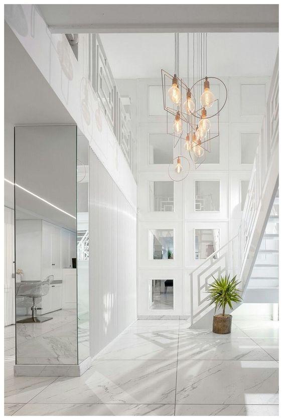 luxurious beautiful foyer