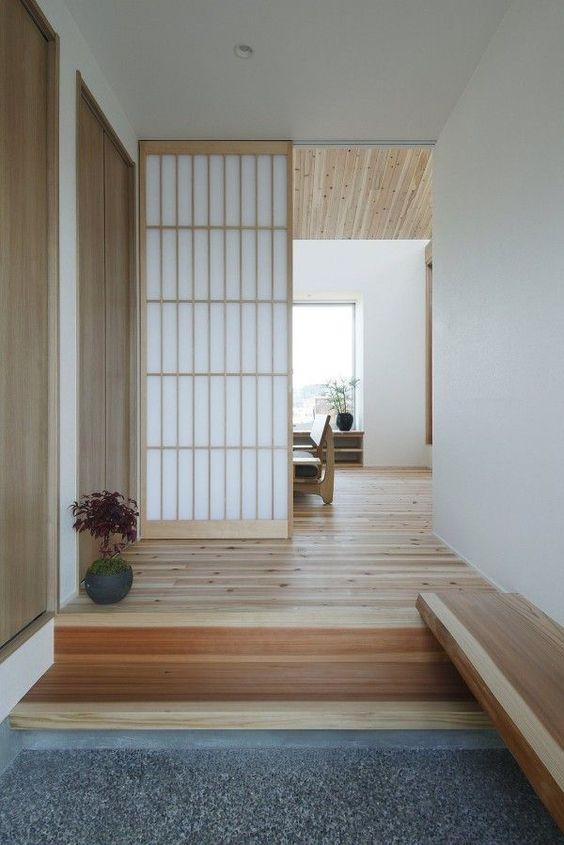 japanese minimalist foyer