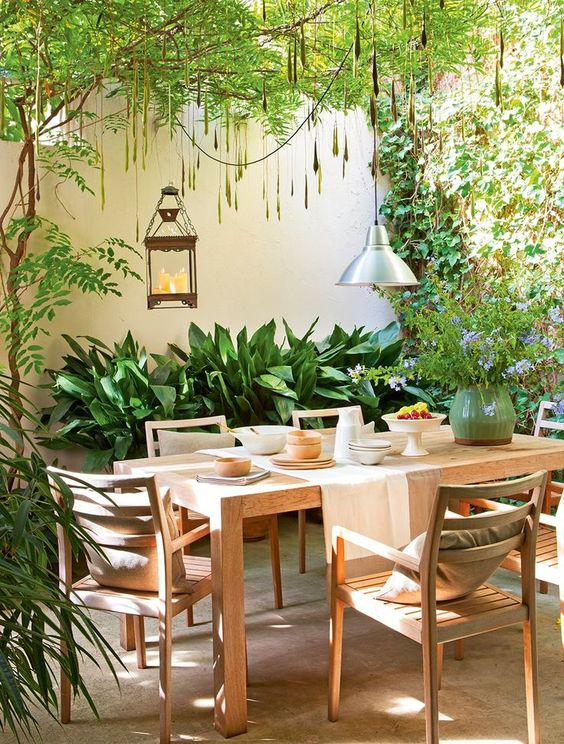 backyard dining set