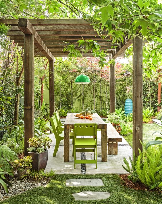 dining room in the garden