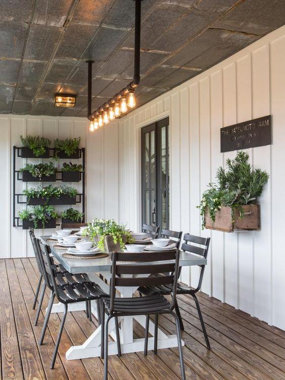 verandah dining table