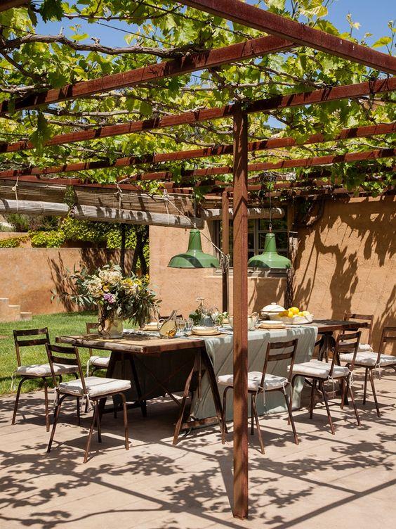 tuscan backyard dining