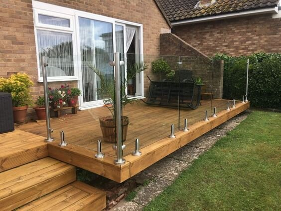 deck with glass railings