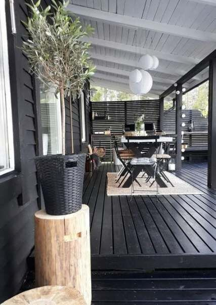 chic black and white deck