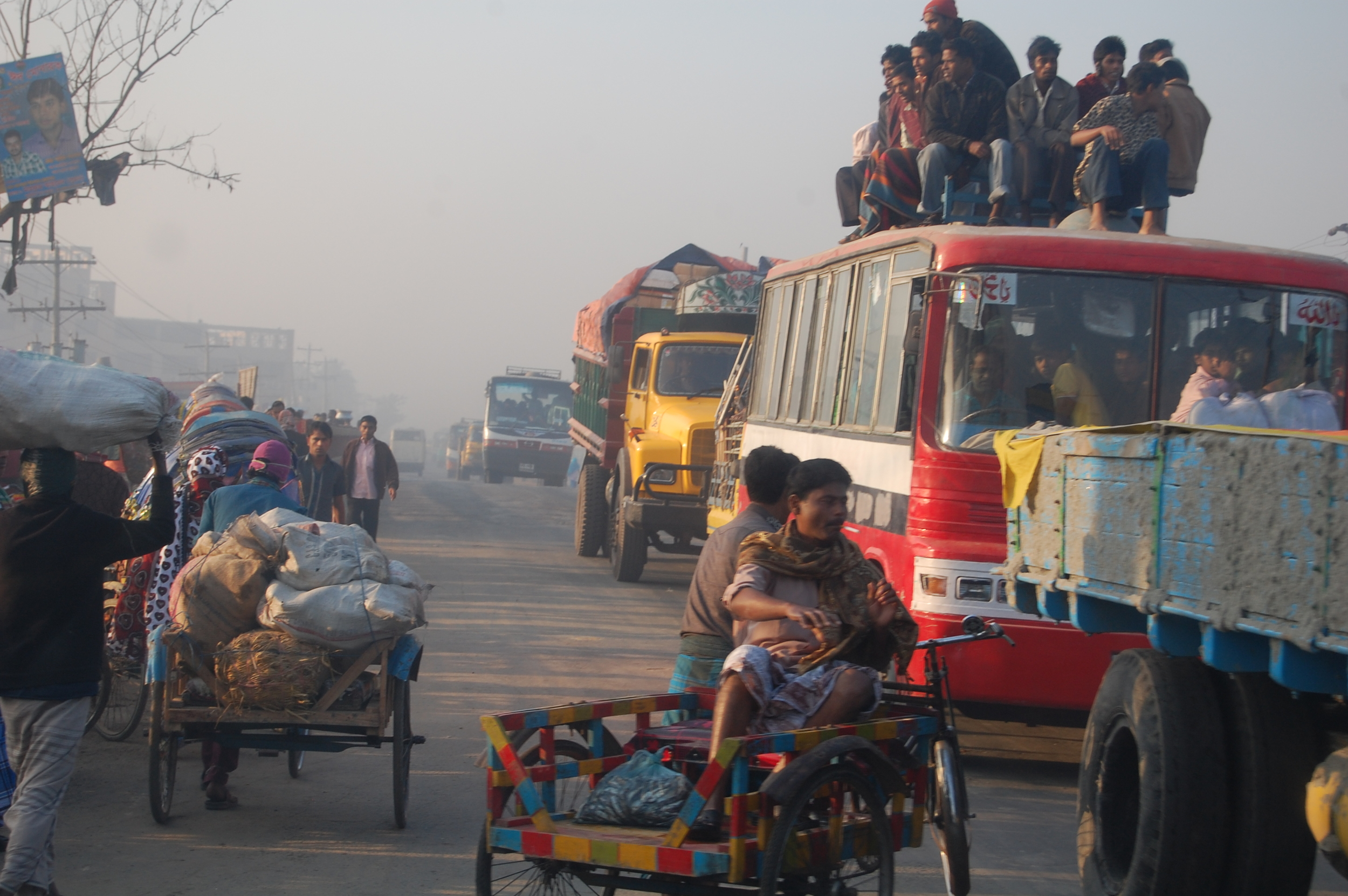 How to ride a bus in Bangladesh