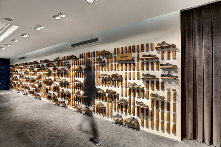 zemberek-design-skechers-showroom-istanbul-viventium-design-zachary-kraemer-three.jpg