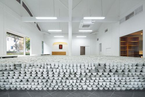 maruhiro-flagship-ceramics-store-viventium-design-zachary-kraemer-2.jpg