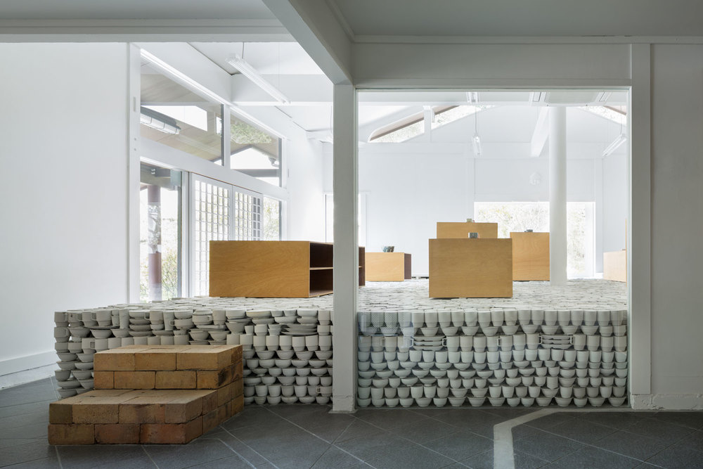 maruhiro-flagship-ceramics-store-viventium-design-zachary-kraemer-1.jpg