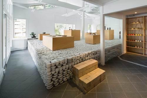 maruhiro-flagship-ceramics-store-viventium-design-zachary-kraemer-5.jpg