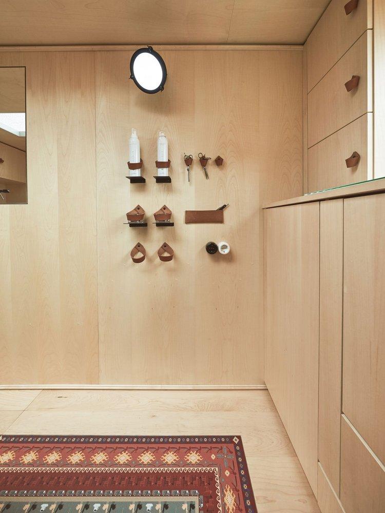 viventium-design-zac-kraemer-tzapos-the-flying-hairdressers-retail-design-7.jpg