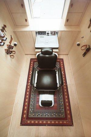 viventium-design-zac-kraemer-tzapos-the-flying-hairdressers-retail-design-9.jpg