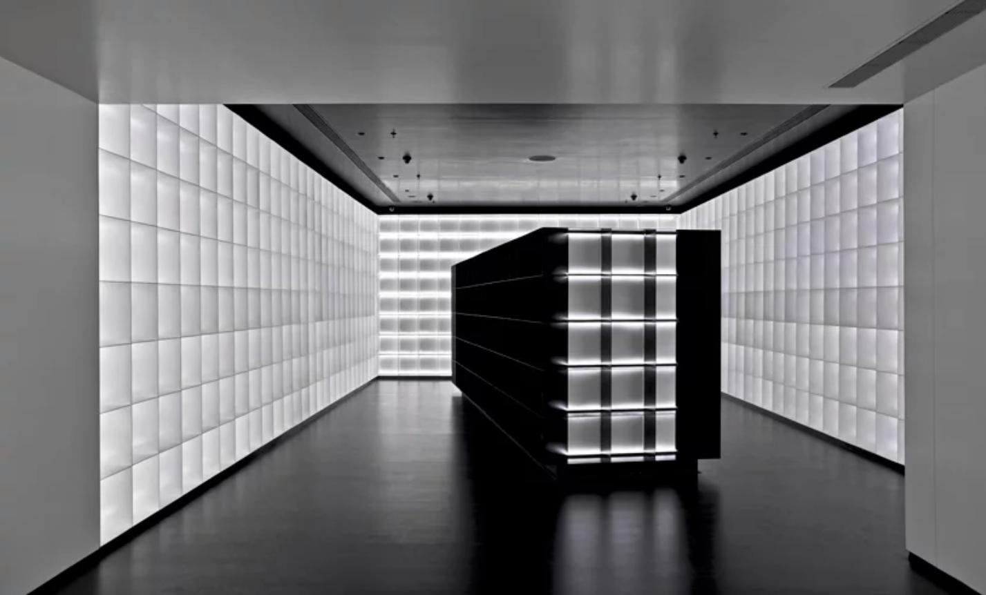 viventium-design-zac-kraemer-b&w-retail-design-1.png