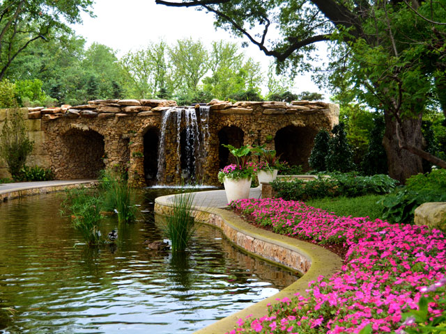 stream-dallas-arboratoreum.jpg