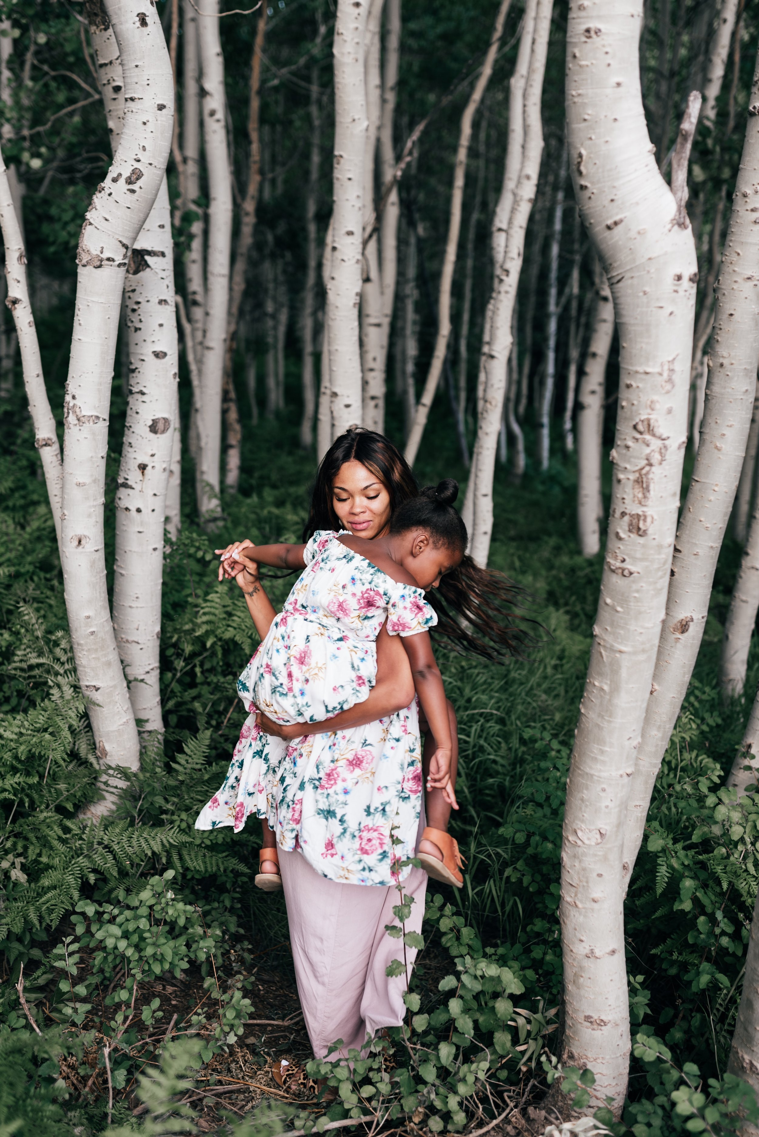 Popular life and style blogger, Mom Crush Monday, shares her top 3 tips on how to stay consistent