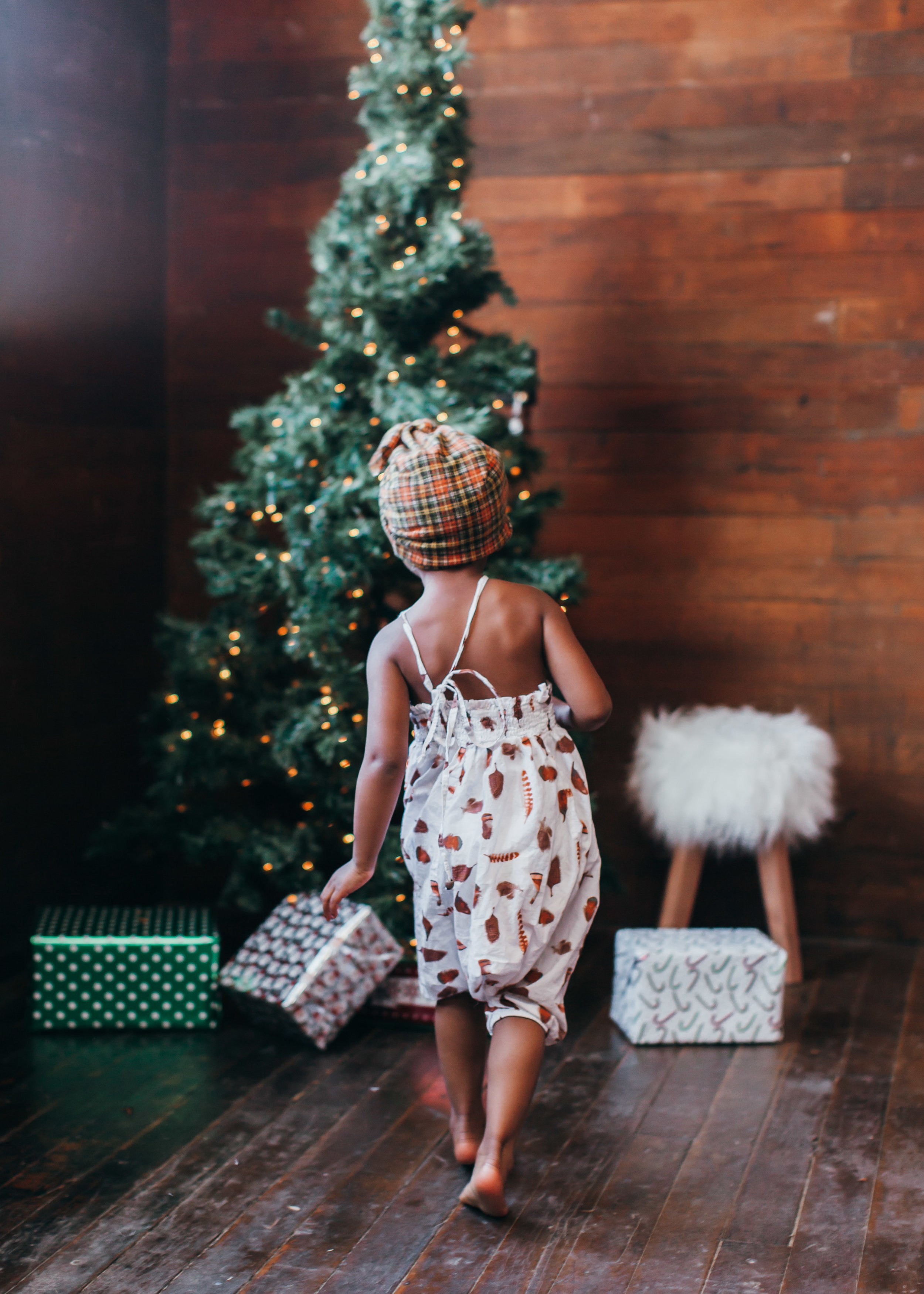 how to create the ultimate gift guide featured by top lifestyle blog, Mom Crush Monday