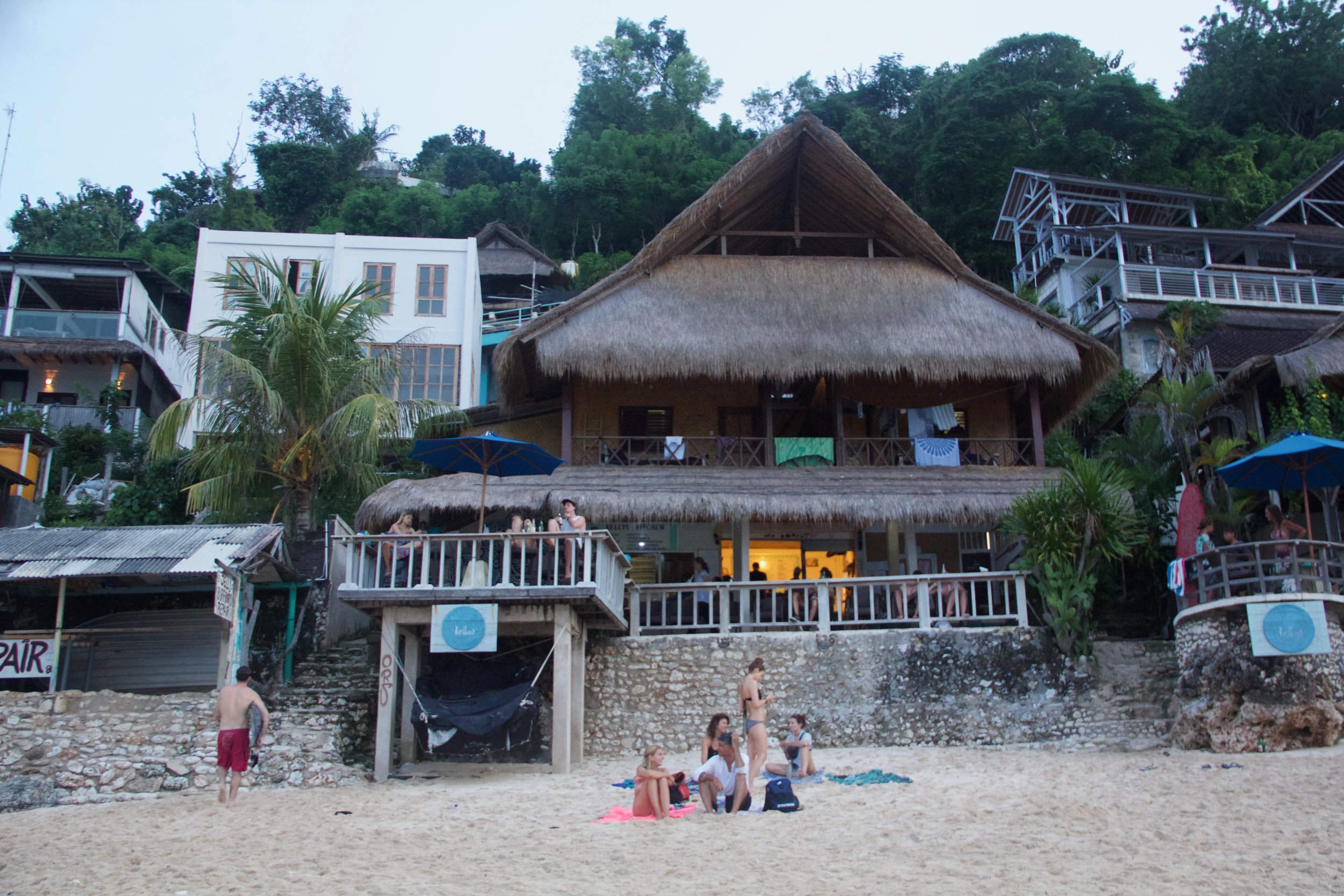 Bingin Beach & Kelly's Warung
