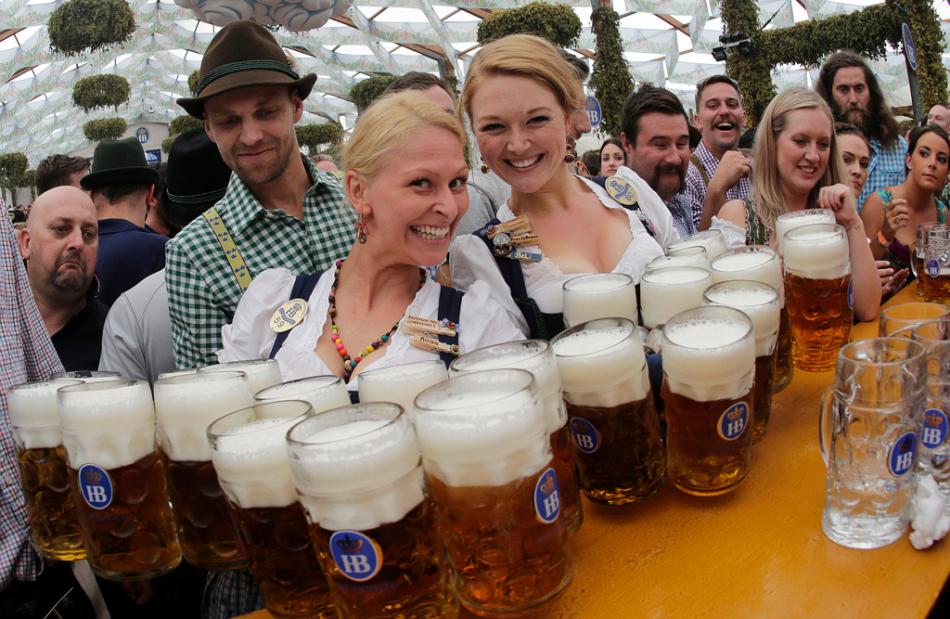 Willkommen in Deutschland.   ..