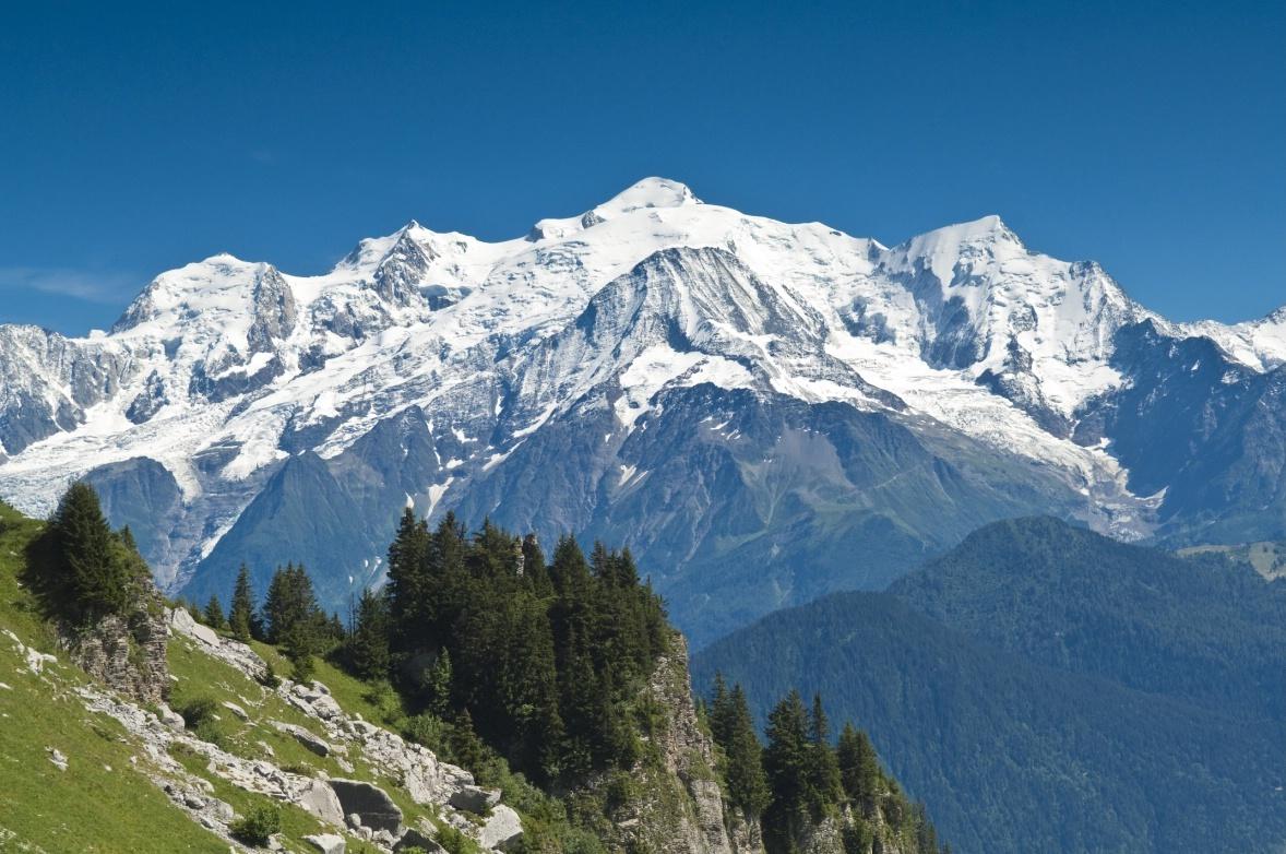 Walk-to-the-Varan-hut-view-of-the-Mont-Blanc-range.jpg