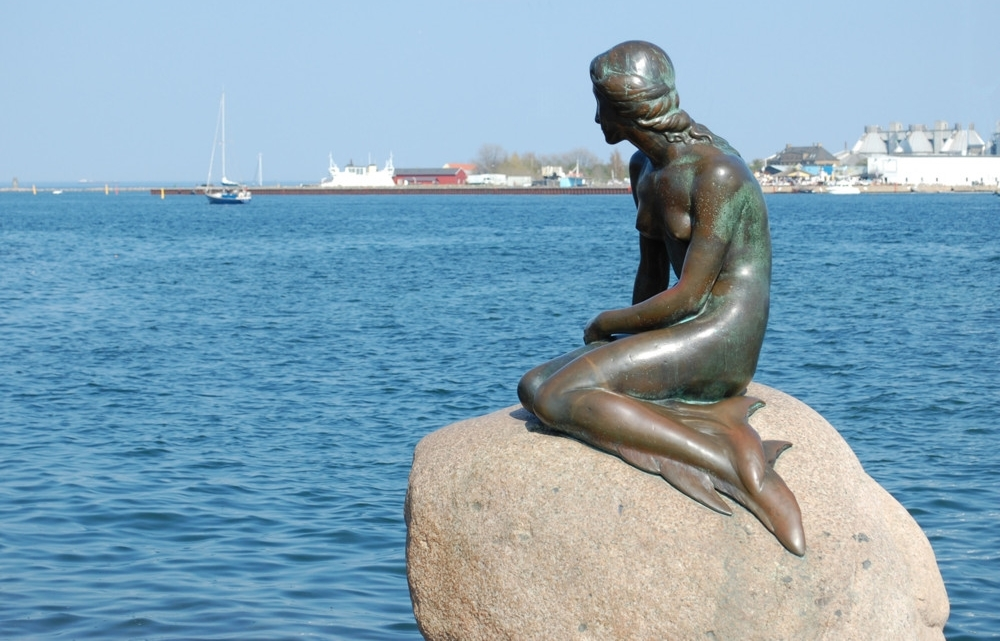 The-statue-of-the-Little-Mermaid-Copenhagen.jpg