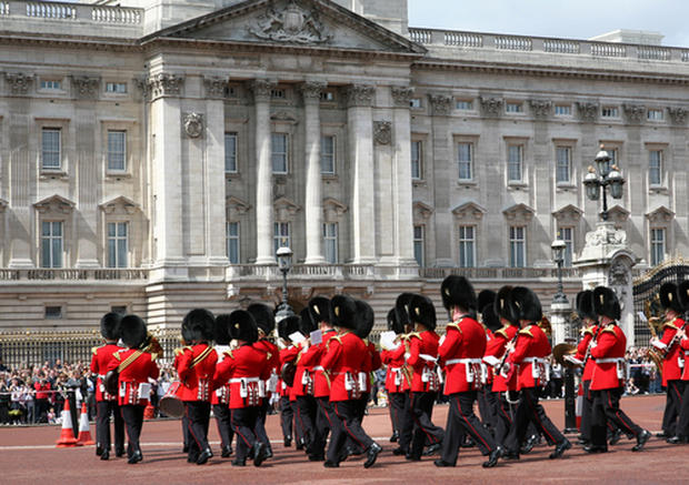 United_Kingdom-Buckingham_Palace.jpg