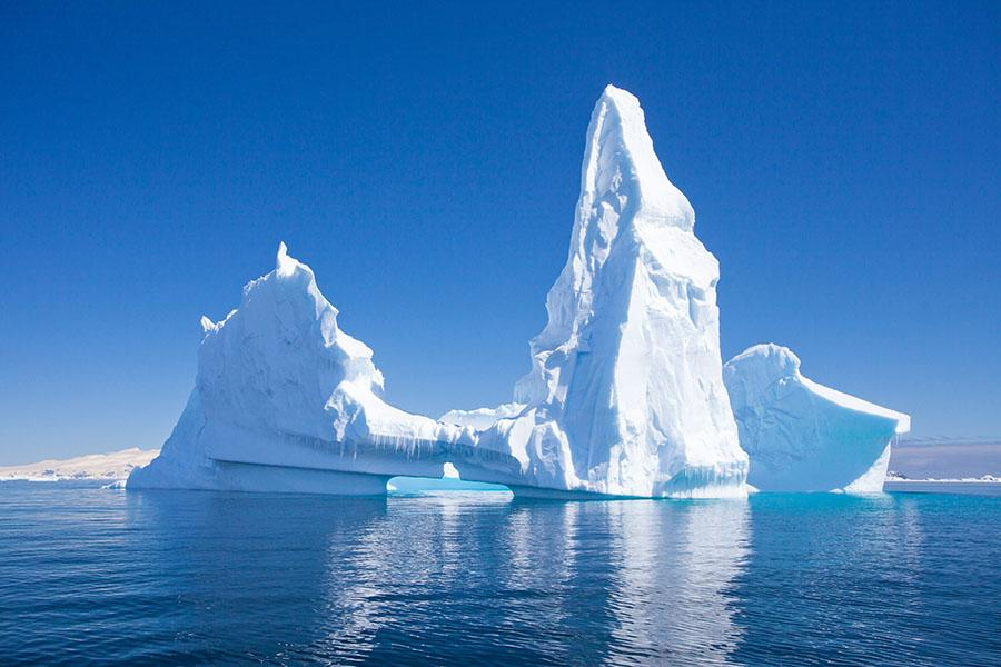 antarctica_beautiful_iceberg.jpg