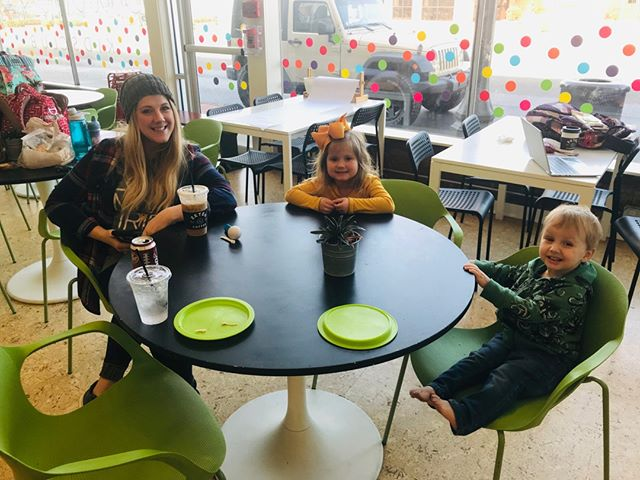 There's always a place at the table for you here at the club.⠀⠀⠀⠀⠀⠀⠀⠀⠀ 🎉🙌🏼⠀⠀⠀⠀⠀⠀⠀⠀⠀ •⠀⠀⠀⠀⠀⠀⠀⠀⠀ •⠀⠀⠀⠀⠀⠀⠀⠀⠀ #thatkidsclublife #play #playrelaxgiveback #centralarkansas #indoorplay #kidsclub #sharethelove #happykidshappymom #mamamoments #kidsparties #babyturnsone #familytimes #cometogether #happymom #happymoment #happymommy #happyfamilytime #babyloves #happykids #thisbeautifullife #thisbeautifulworld #perfectmoments #mompower