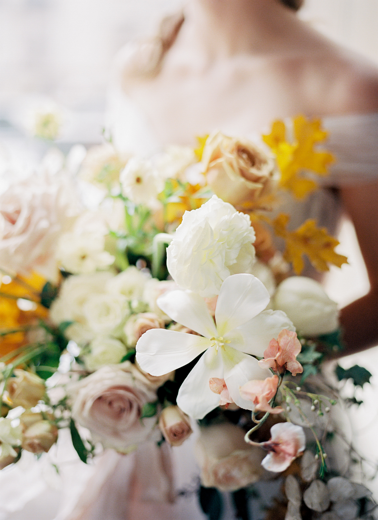 University_club_pittsburgh_wedding_photographer_anna_laero_photography_bumbleburgh_events_wood_and_grace_design_2.jpg