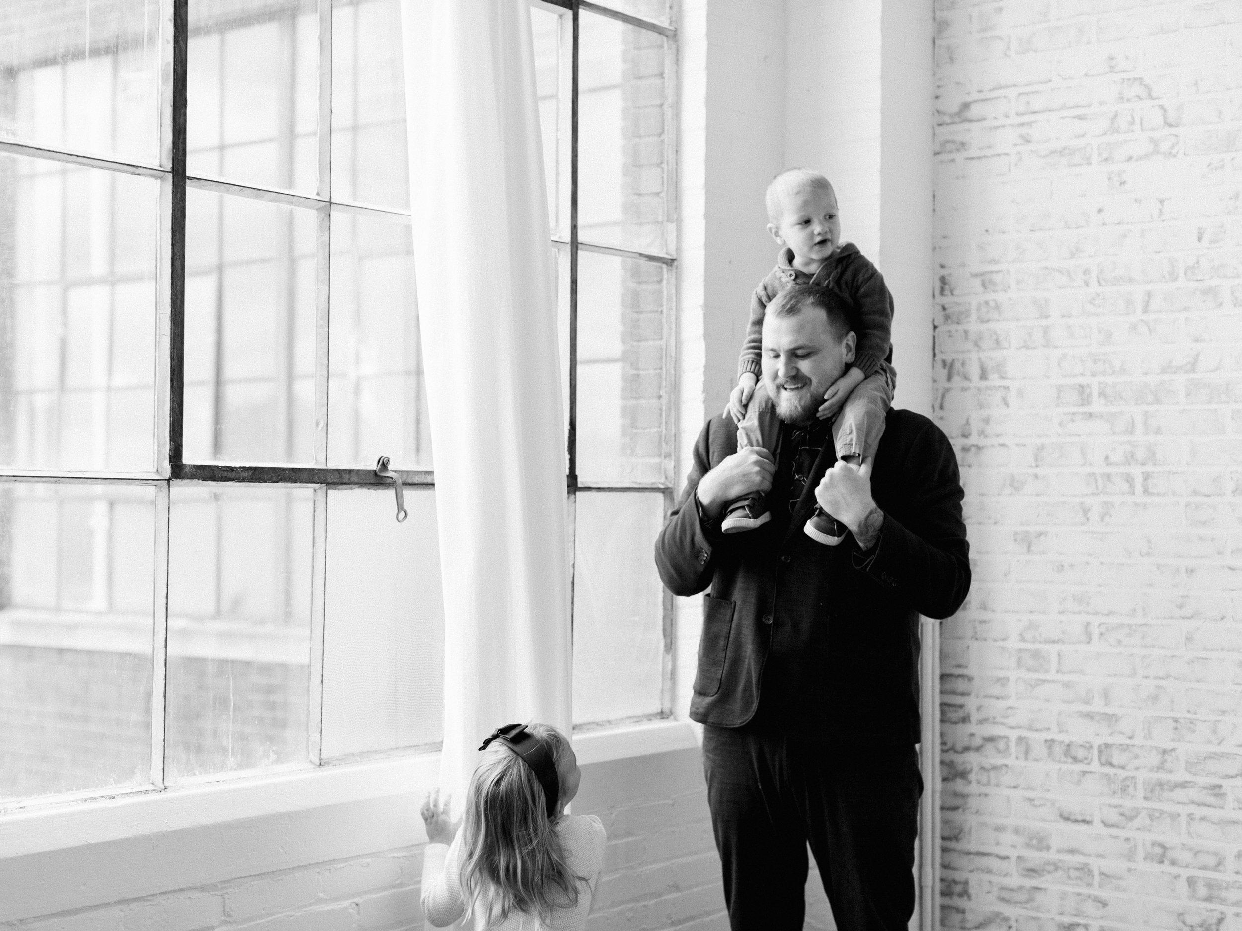pittsburgh-newborn-family-Steven-Dray-photographer-anna-laero-photography-5.jpg