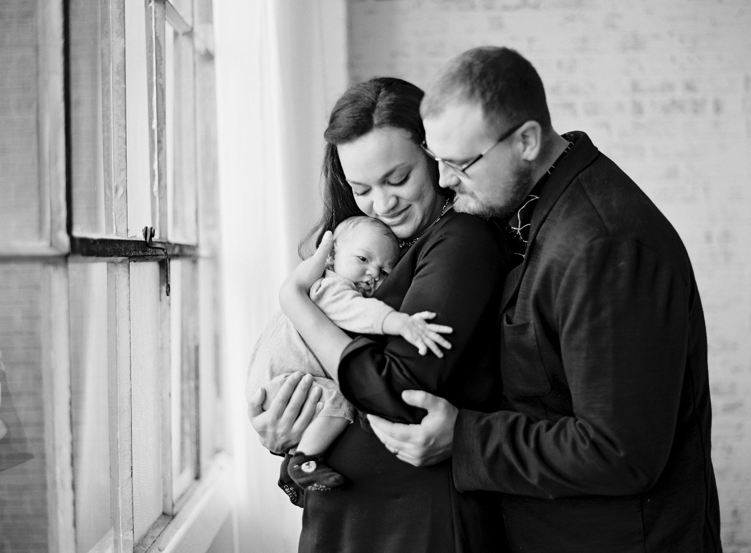 pittsburgh-newborn-family-photographer-Steven-Dray-family-anna-laero-photography-6.jpg