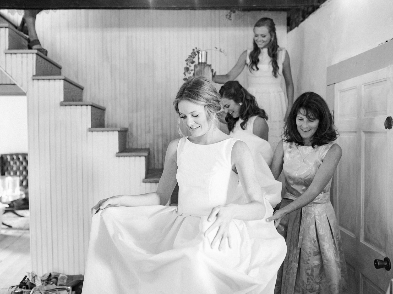 pittsburgh-wedding-photographer-intimate-garden-wedding-bumbleburgh-pennsylvania-elegant-simple-sophisticated-elegant-backyard-wedding-25.jpg