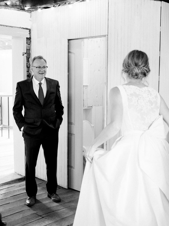 pittsburgh-wedding-photographer-intimate-garden-wedding-bumbleburgh-pennsylvania-elegant-simple-sophisticated-elegant-backyard-wedding-26.jpg