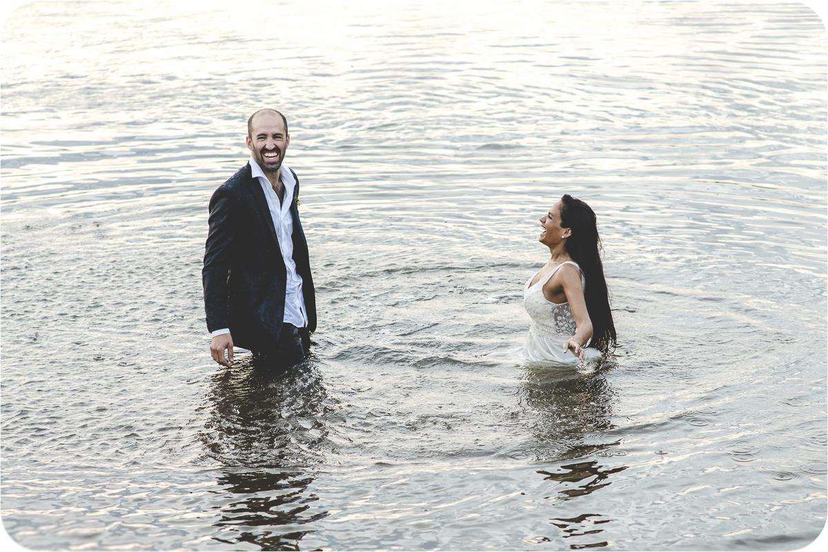Trahs the dress en el agua | Maxi Oviedo