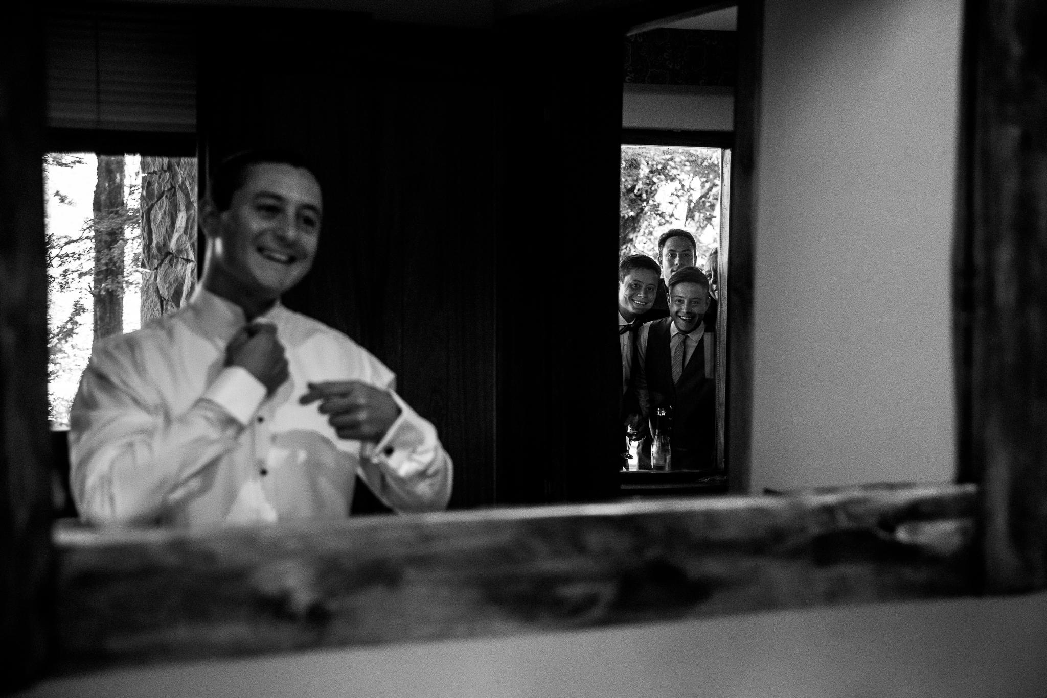 boda-bariloche-maxi-oviedo-fotografo-ramo-vestido-de-novia-3.jpg