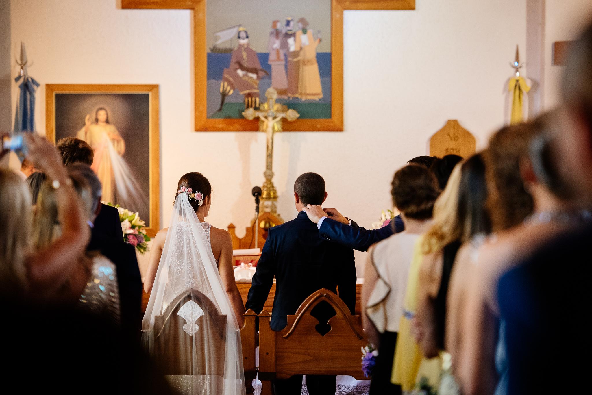 boda-bariloche-maxi-oviedo-fotografo-ramo-vestido-de-novia-31.jpg