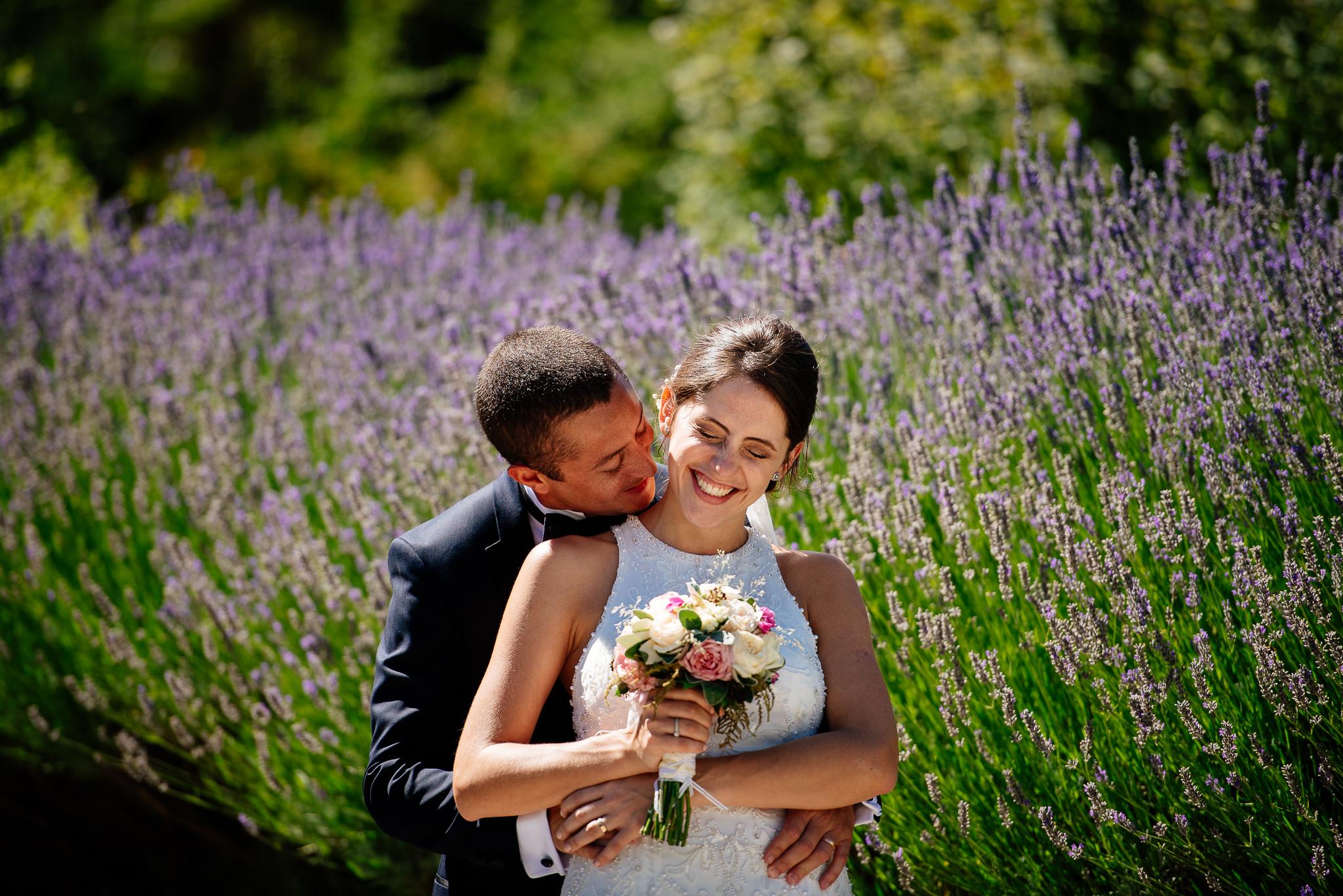 boda-bariloche-maxi-oviedo-fotografo-ramo-vestido-de-novia-48.jpg