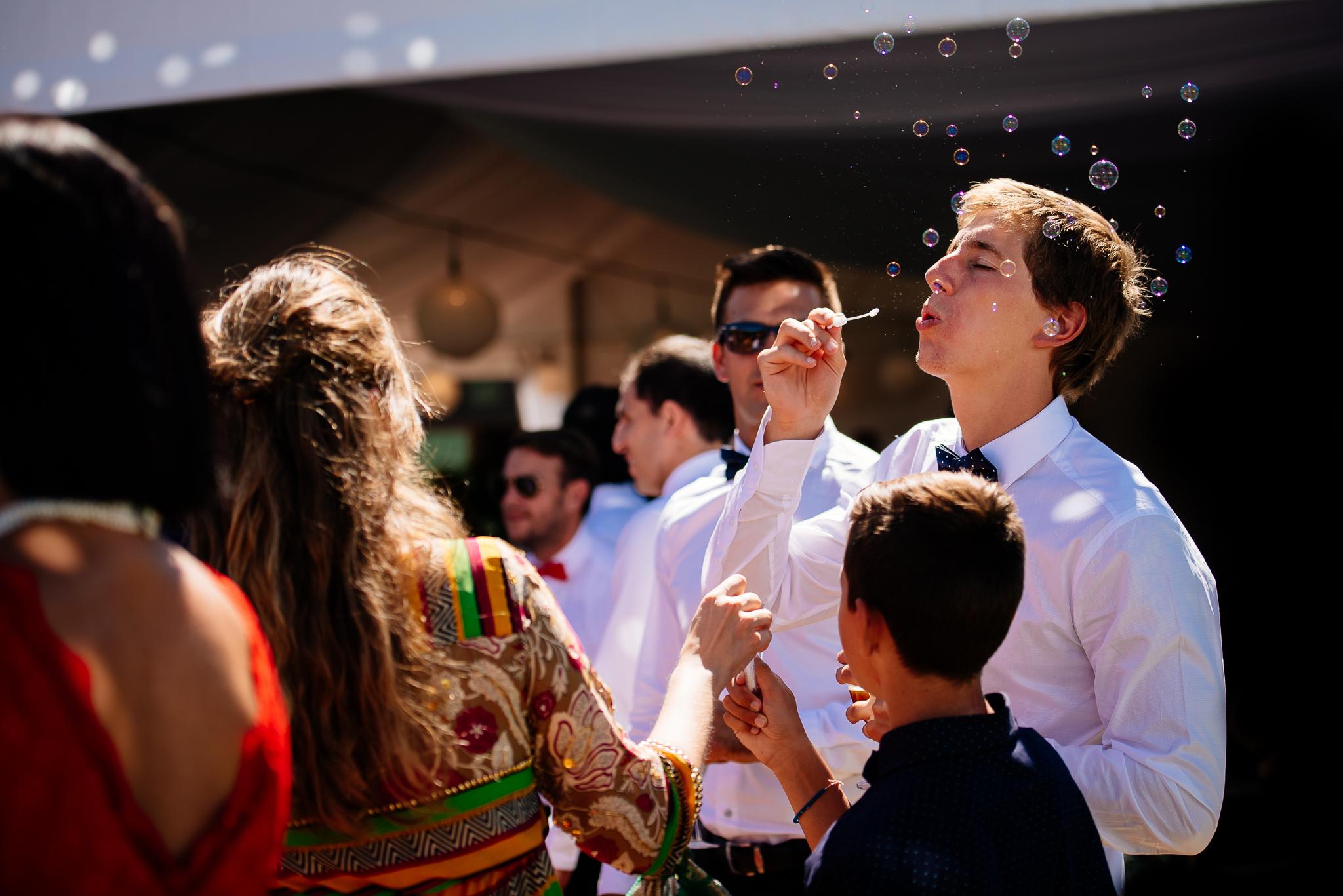 boda-bariloche-maxi-oviedo-fotografo-ramo-vestido-de-novia-53.jpg