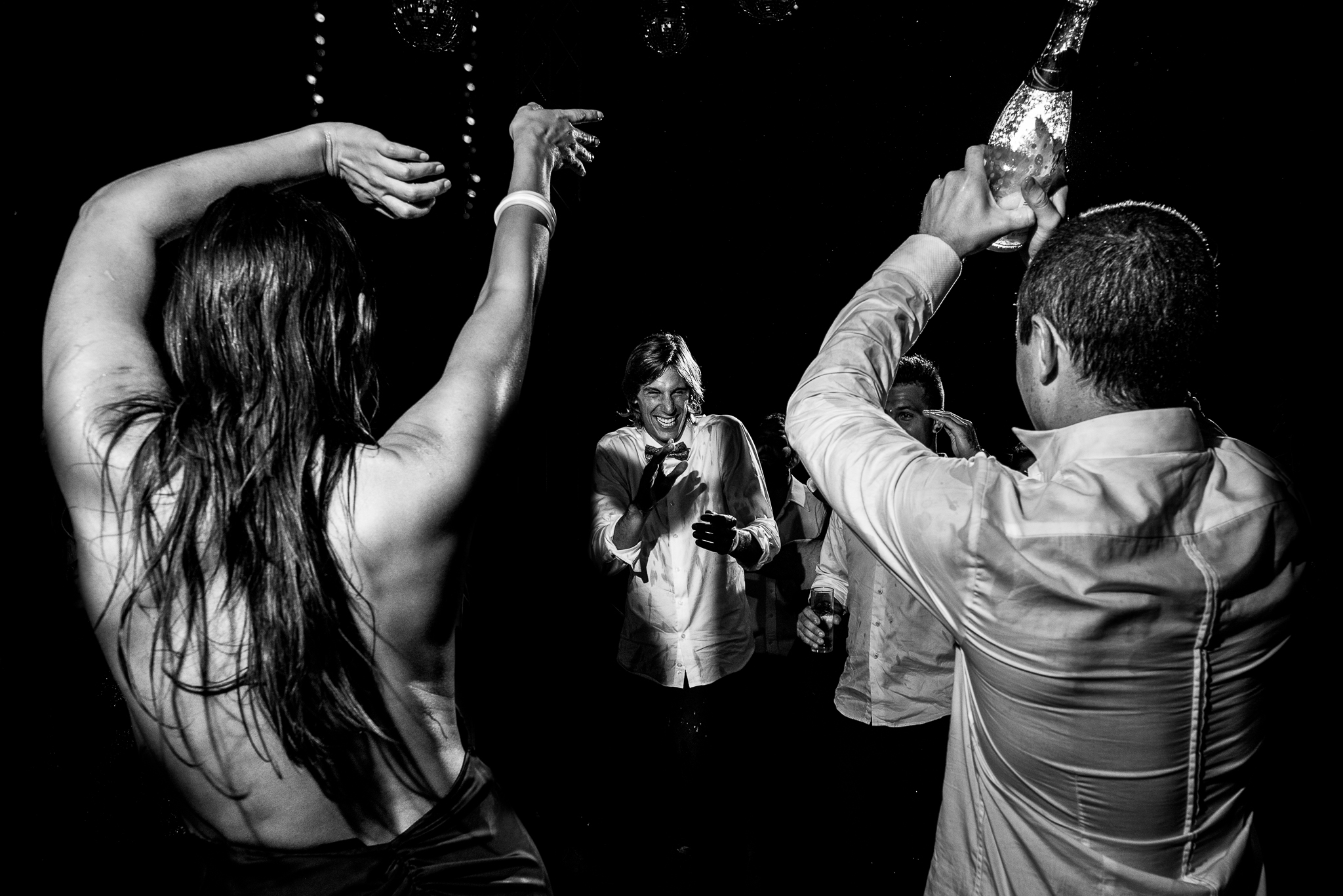boda-bariloche-maxi-oviedo-fotografo-ramo-vestido-de-novia-79.jpg