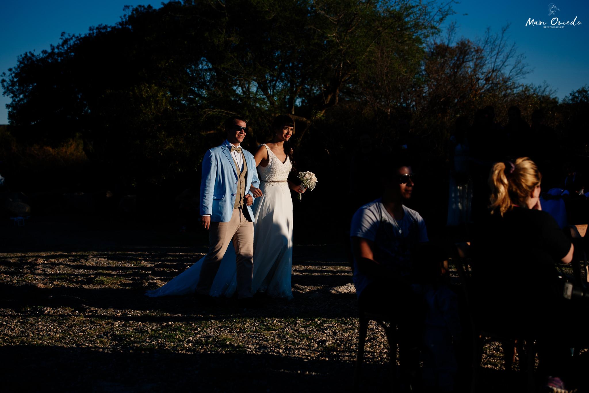 boda sextuple la cumbre cordoba cuchi corral fotografo de bodas fotografo de casamientos rosario san nicolas argentina vestido de novia ramo de novia-23.jpg