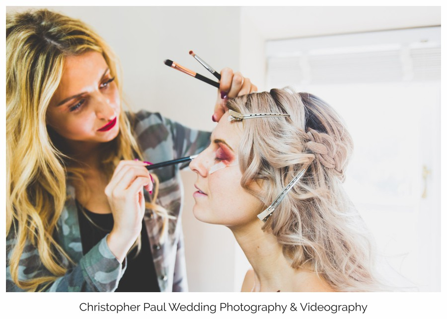 Jodie is a make up artist from Minxie