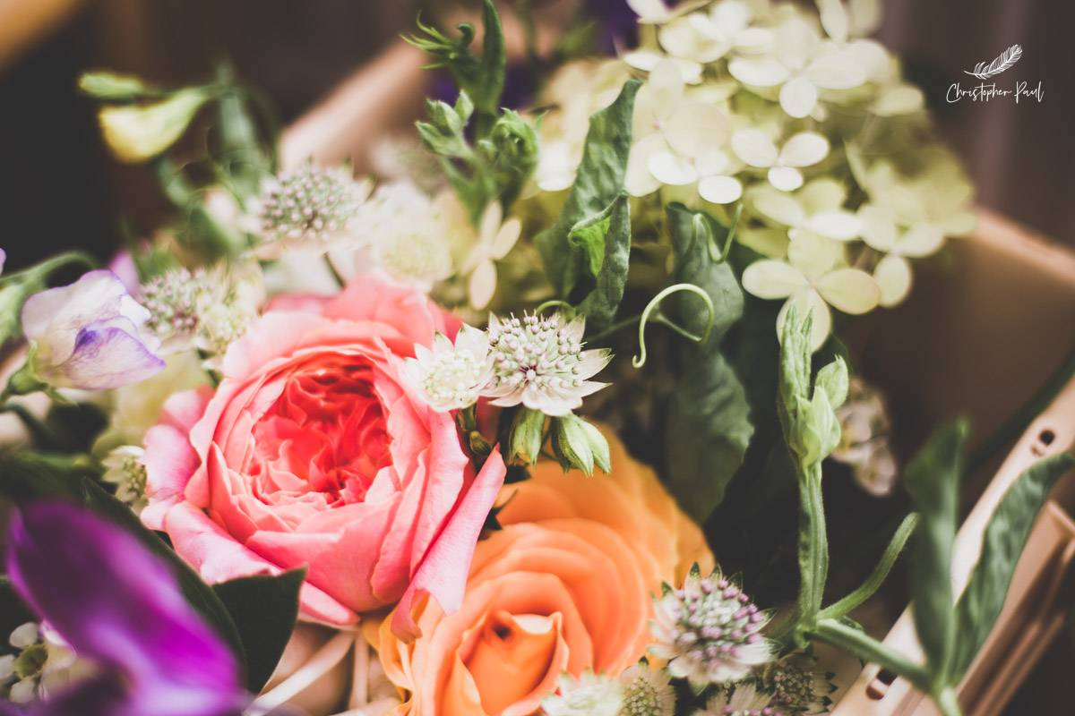 The Brides perfect wedding flowers, nice and bright to match the summer weather