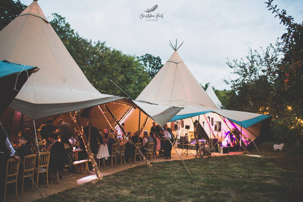 The long summer days make the evening really light which is amazing for your wedding reception