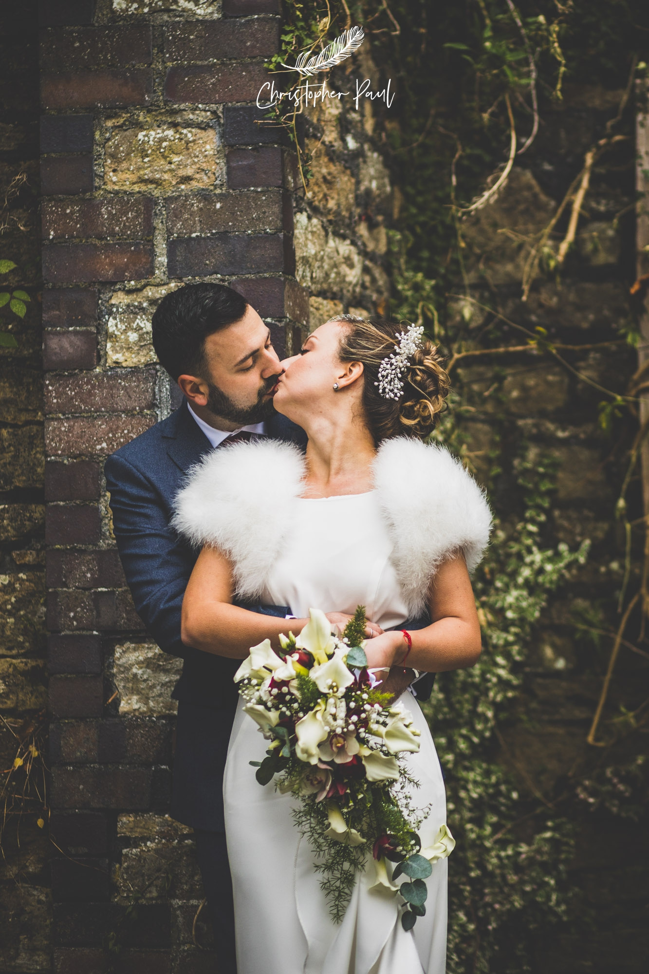 It was a perfect winter wedding with all the details perfectly planned. Those deep red flowers and Yani's wedding dress were both favourites of Becky and mine.