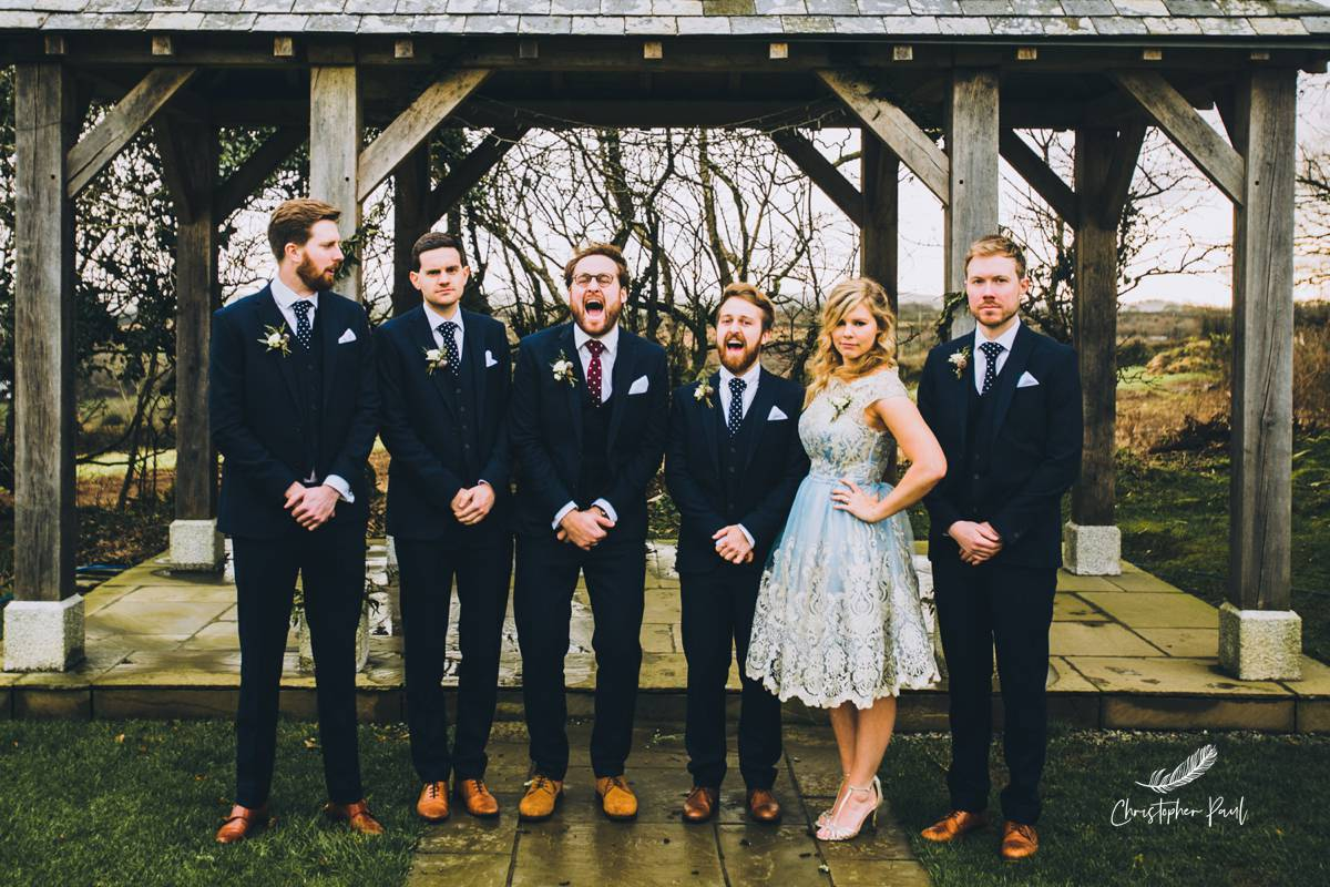 I love this group photo of the grooms party. Look at that face so happy !