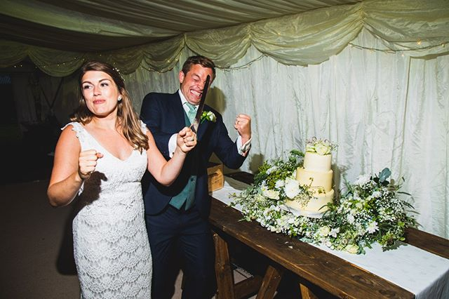 Happy Friday everyone, you made it ! I hope everyone is just as excited about their weekend as Sam is about cutting ( and potentially eating) the wedding cake !  #welshwedding #farmwedding #weddingphotographers #cake #onelife #excited