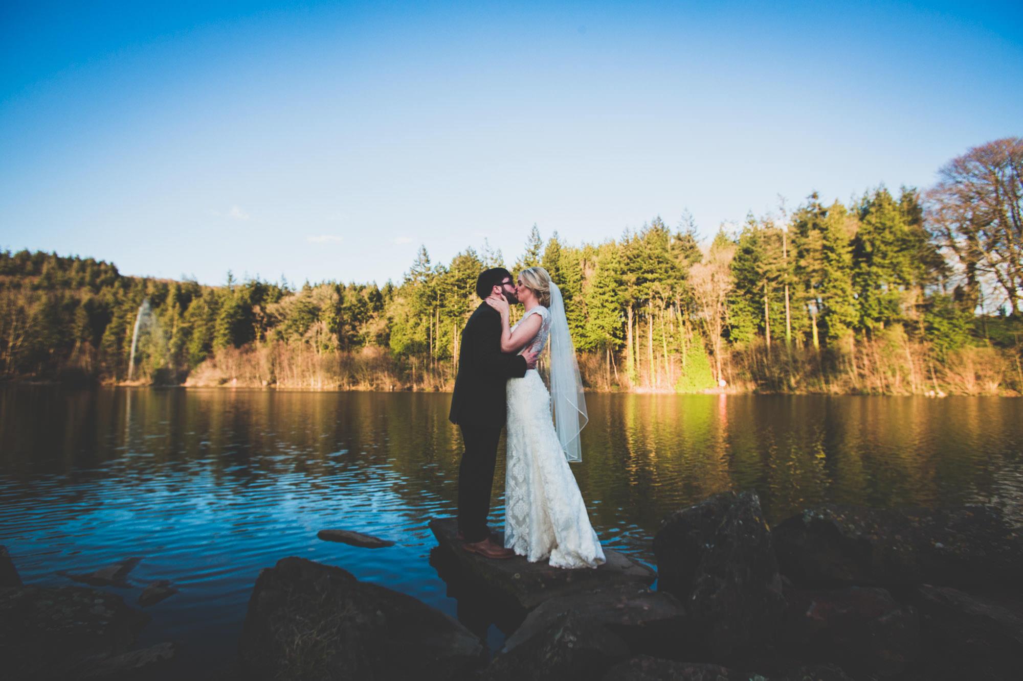 Canada Lodge and Lake -