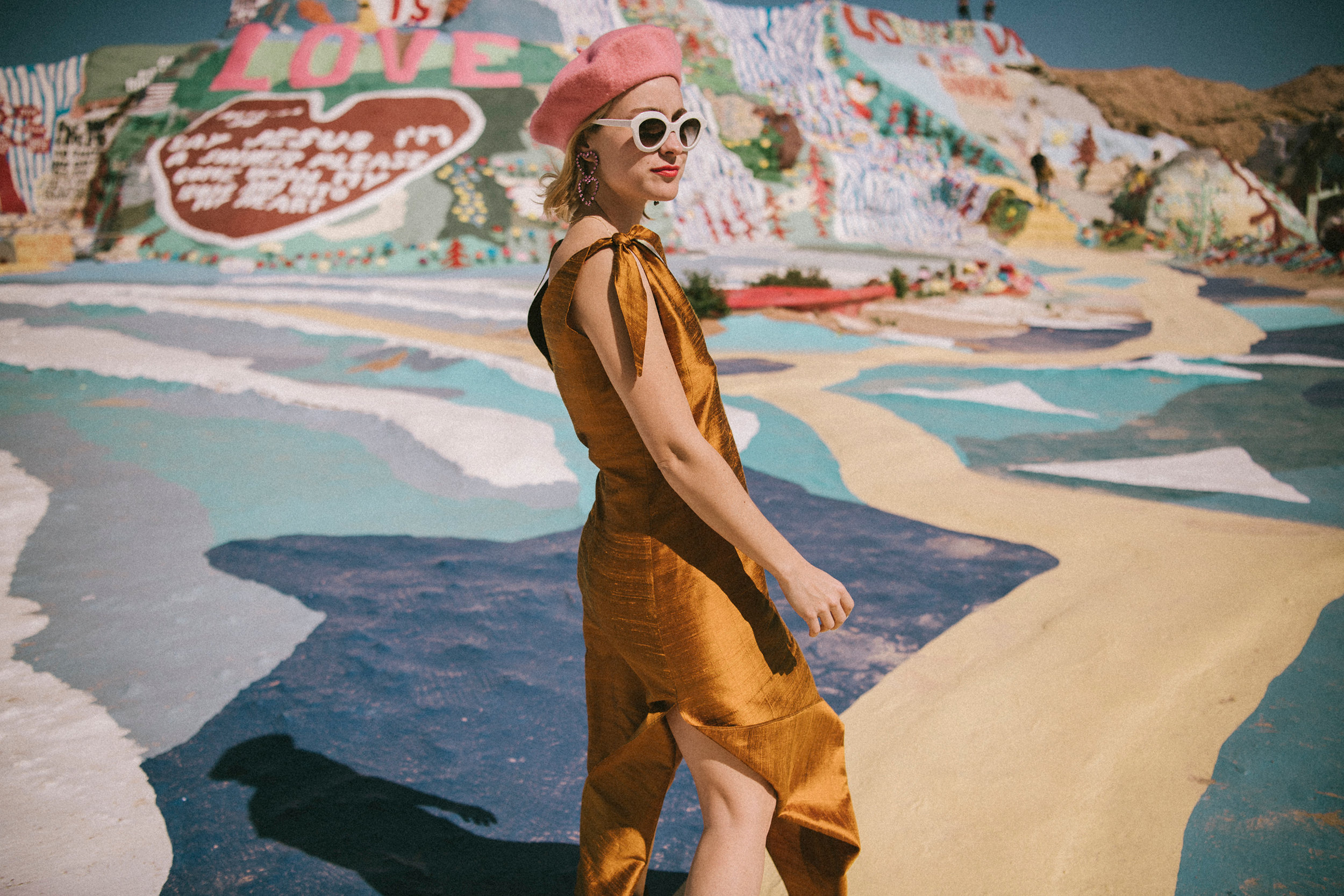 russian_red_viaje_valle_coachella_palm_springs_salvation_mountain_hoteles_turismo_playas_524006371_2700x1800.jpg