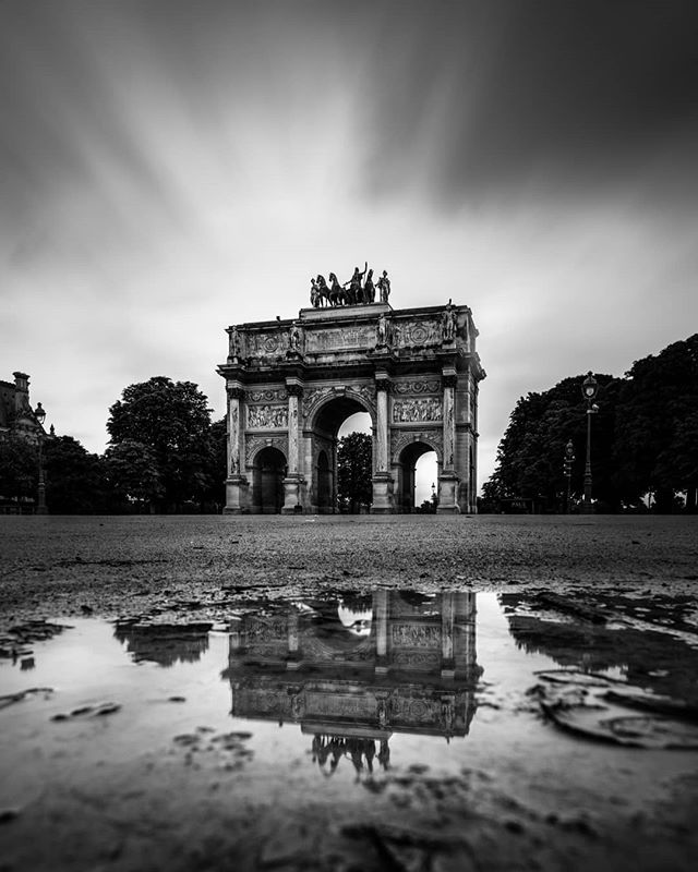When you are getting lucky enough to have a nice rainy night before your sunrise shooting and having your #platypod with you  PARIS WORKSHOP 2019  WITH : @scottkelby  #superstarz_bnw #bnw_planet_2019 #ig_europe #sombrebw #bnw_captures #pr0ject_bnw #flair_bw #bw_perfect #louvre #ig_photostars_bw #bnw_creatives #excellent_bnw #bnw_greatshots #my_daily_bnw #bnw_legit #top_bnw #ig_paris #haidafilters #bnw_just #bnw_drama #bnw_madrid #bnw_mystery #bnw_rose #amateurs_bnw #awesomebnw #world_bnw #bnwmood #gf_france