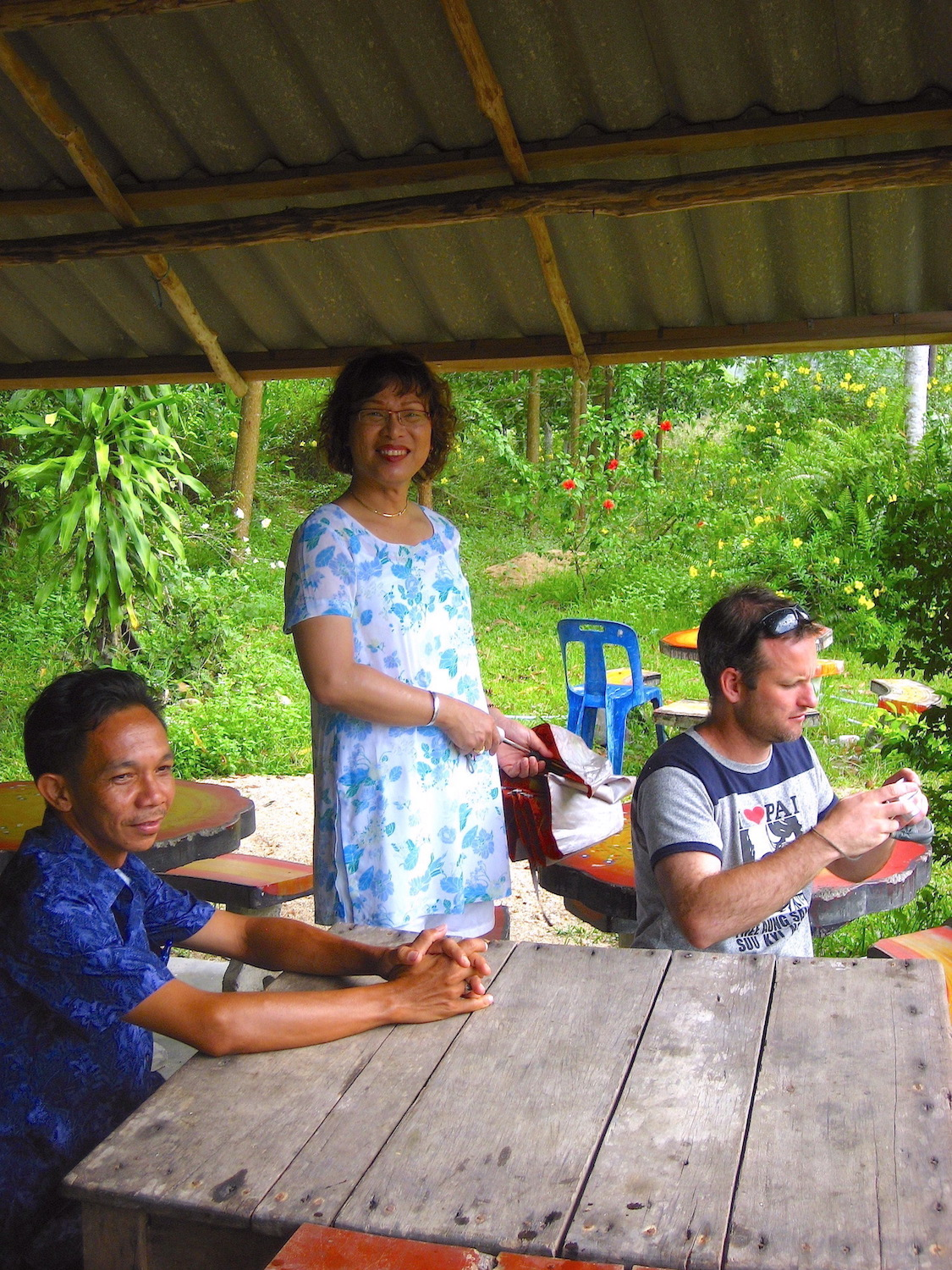 Pic: Aoi's friend (left) whom we picked up along the way, Aoi and yours truly (Rural Phang-Nga).
